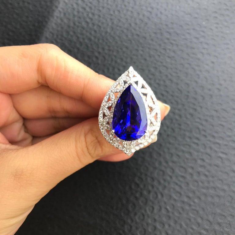 Birnenförmiger Tansanit und Diamant Ring, Ohrring, Anhänger Set 5
