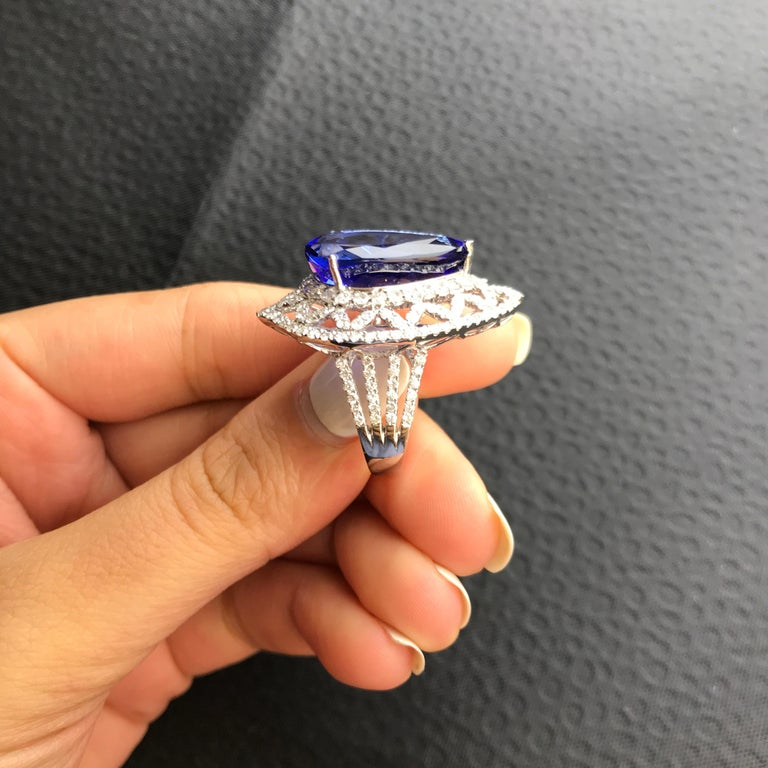 Birnenförmiger Tansanit und Diamant Ring, Ohrring, Anhänger Set 6
