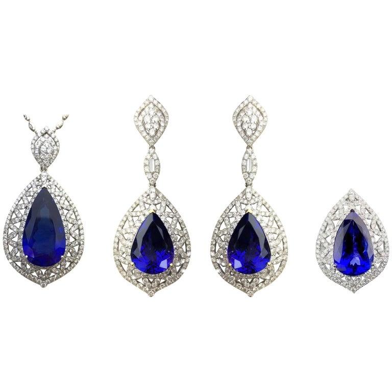 Birnenförmiger Tansanit und Diamant Ring, Ohrring, Anhänger Set 1