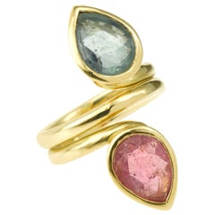Pear Shaped Pink and Green Tourmaline Toi et Moi 18 Carats Yellow Gold Ring