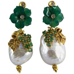 Pearl 0.90 Carat Emerald Agate 0.12 Carat White Diamond Yellow Gold Earrings