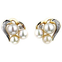 Pearl and Diamond Tasteful Hearts/Love Earrings in 18 Carat Gold
