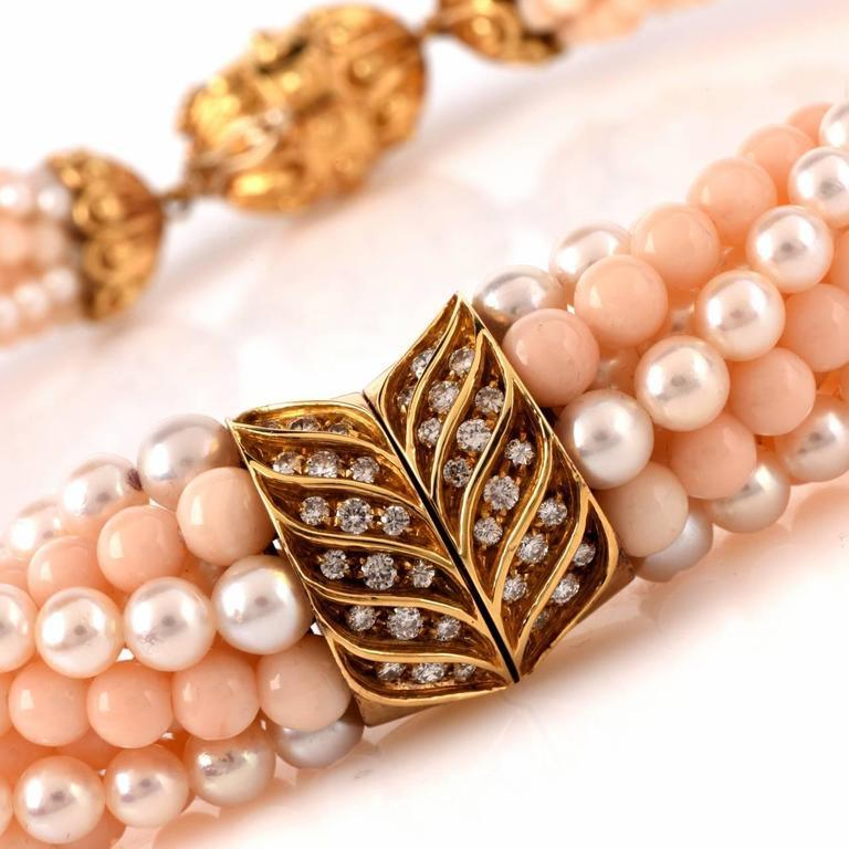 This estate retro choker necklace is crafted in 18-karat yellow gold. Incorporates 5 strands of graduated peach colored natural genuine coral beads intertwined with 5 strands of graduated lustrous genuine pearls. Showcasing an enchanting gold