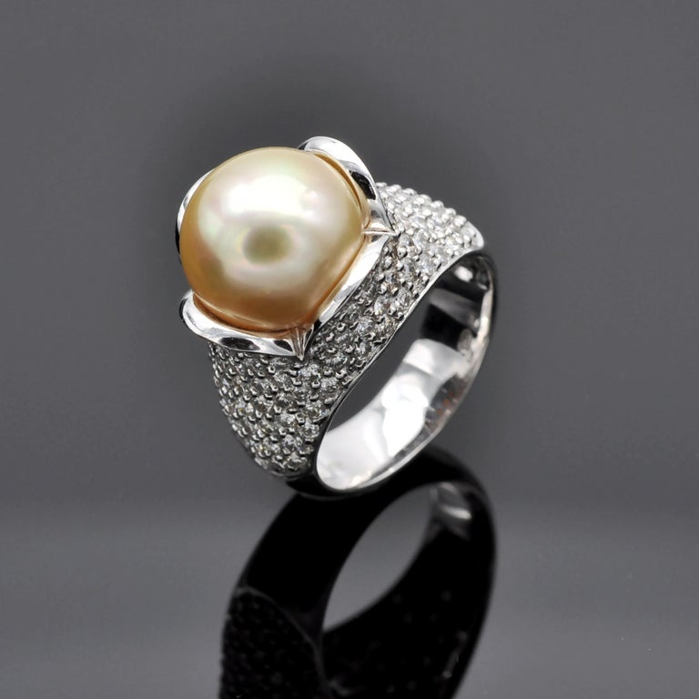 Contemporary Pearl Diamond 18 Karat Gold Cocktail Ring For Sale
