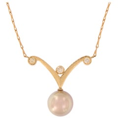Pearl Diamond 18 Karat Yellow Gold Pendant Necklace