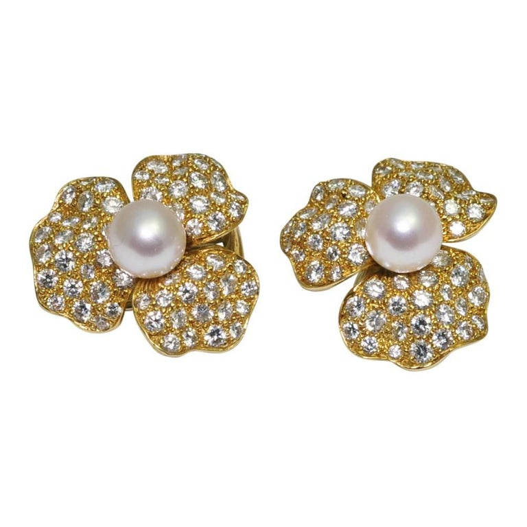Pearl Diamond 18 Carat Gold Flower Ear Clips Earrings Circa 1970