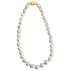 Pearl Necklace with White Sapphire
