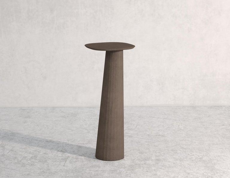 21st Century Studio Irvine Fusto Concrete Pedestal Powder Beige Cement Handmade In New Condition For Sale In Rome, Lazio