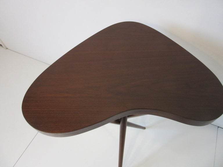 American Pedestal Table in the Style of T.H. Robsjohn Gibbings  For Sale