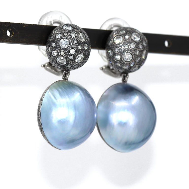 Contemporary Pedro Boregaard One of a Kind 2.75tcw Diamond Blue Mabe Pearl Clip Drop Earrings For Sale
