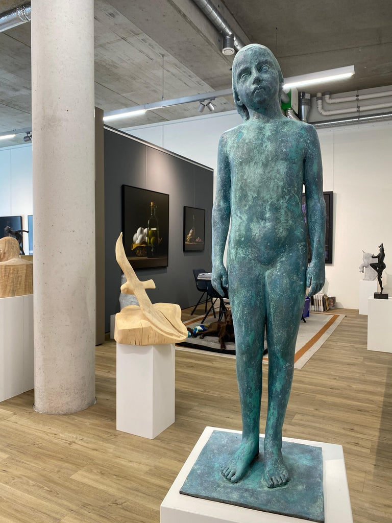 Girl, standing- 21st Century Contemporary Bronze Sculpture of a standing Girl For Sale 3