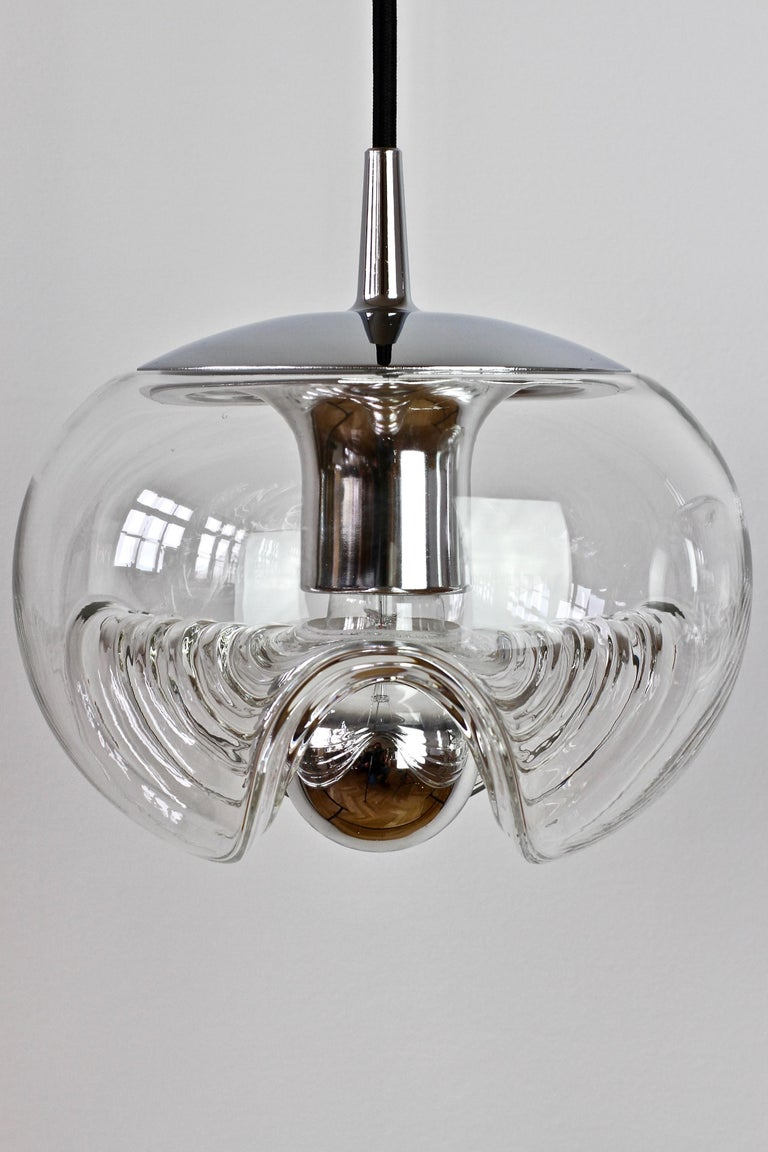 Peill & Putzler Pair of Biomorphic 'Futura' Clear Glass Pendant Lights, 1970s For Sale 7