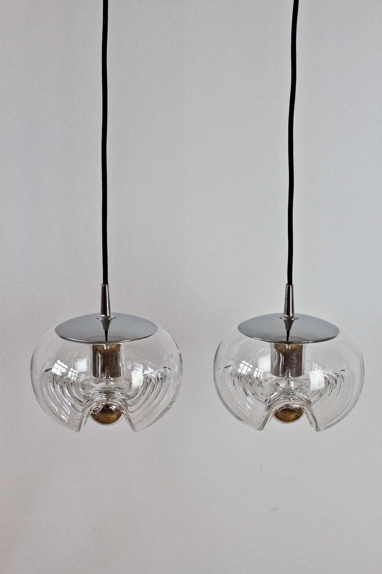 Mid-Century Modern Peill & Putzler Pair of Biomorphic 'Futura' Clear Glass Pendant Lights, 1970s For Sale