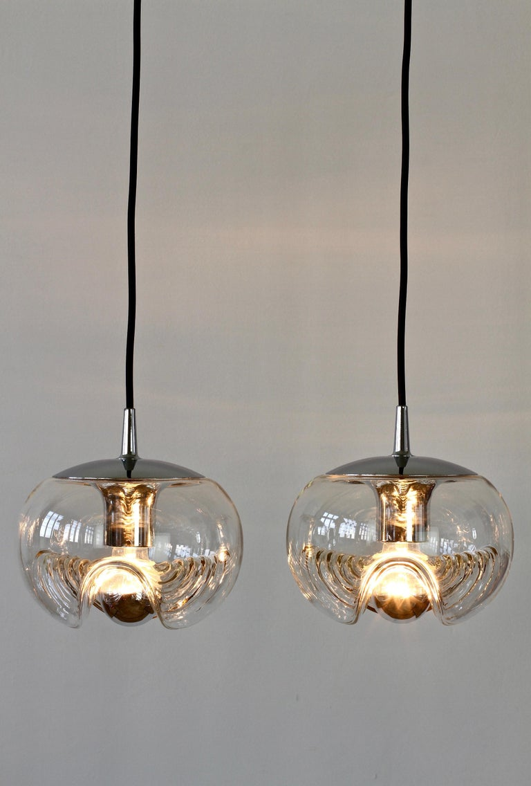 German Peill & Putzler Pair of Biomorphic 'Futura' Clear Glass Pendant Lights, 1970s For Sale