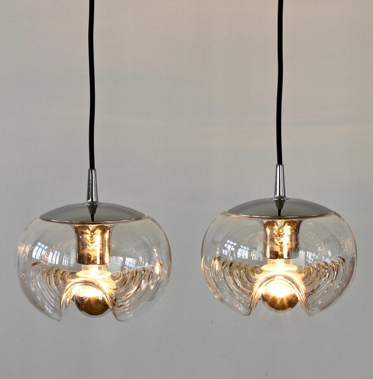 Molded Peill & Putzler Pair of Biomorphic 'Futura' Clear Glass Pendant Lights, 1970s For Sale