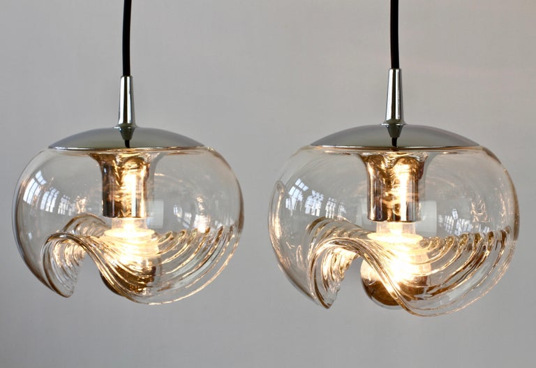 Blown Glass Peill & Putzler Pair of Biomorphic 'Futura' Clear Glass Pendant Lights, 1970s For Sale