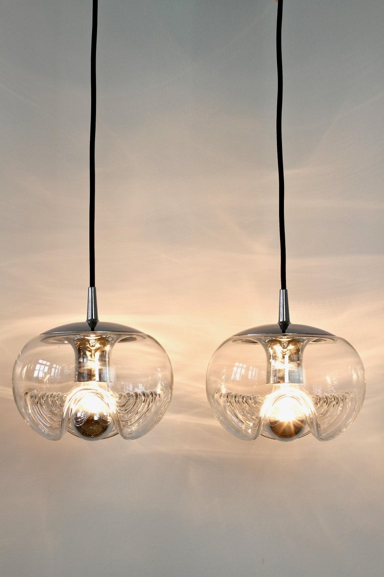 Peill & Putzler Pair of Biomorphic 'Futura' Clear Glass Pendant Lights, 1970s For Sale 1