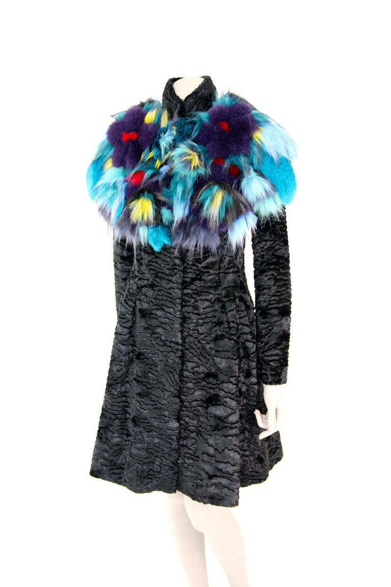 Pelush Botanical Faux Fur Collar With Three Dimensional Flowers - One Size For Sale 1