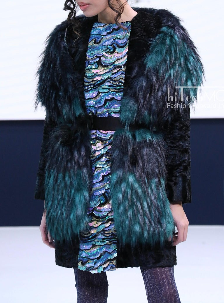 Pelush Emerald Green And Navy Blue Faux Fur Fox Scarf/Stole - One Size In New Condition For Sale In Greenwich, CT