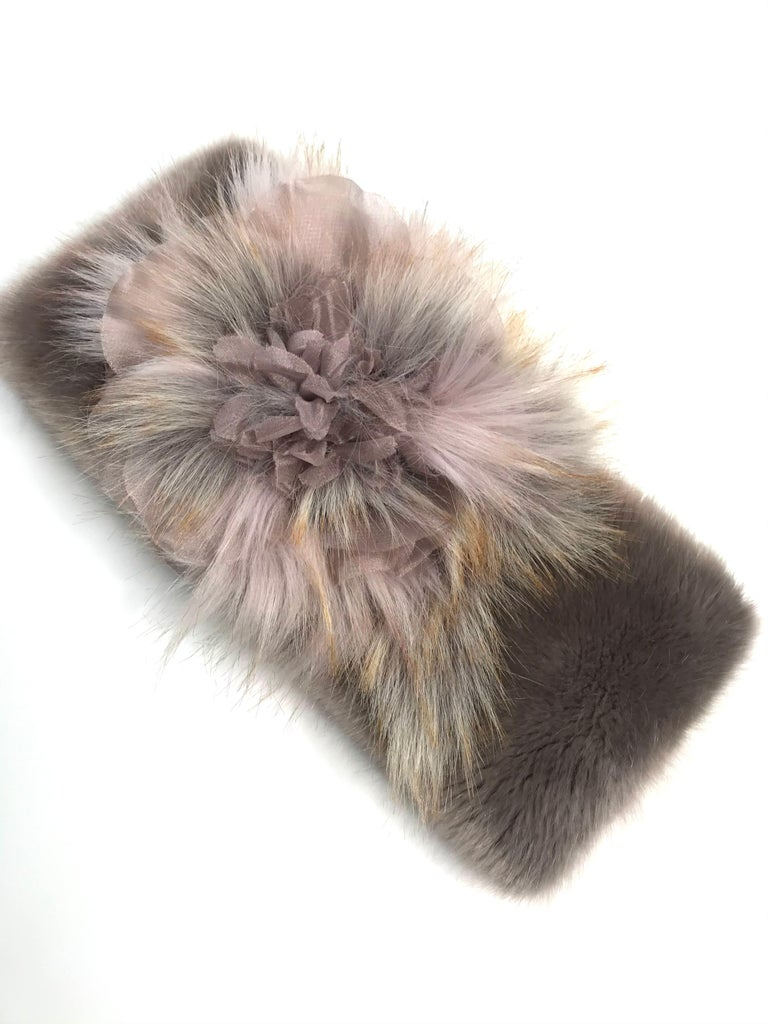 Pelush Faux Fur Scarfs - Chinchilla And Mink Fake Fur Neck Warmer/ Hats One size In New Condition For Sale In Greenwich, CT