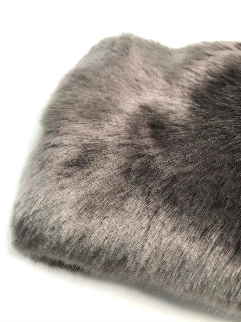 Pelush Faux Fur Scarfs - Chinchilla And Mink Fake Fur Neck Warmer/ Hats One size For Sale 3