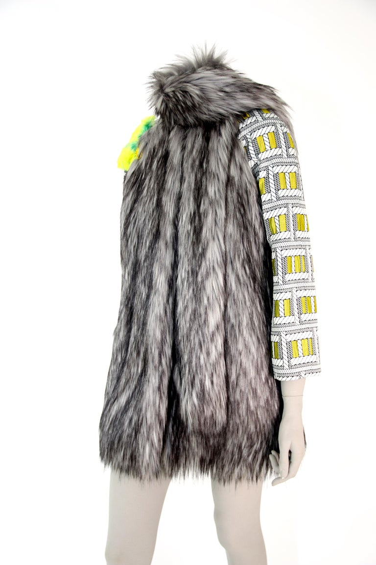 Pelush Silver Gray Faux Fur Fox Jacket With Brocade Sleeves - XS/S For Sale 2