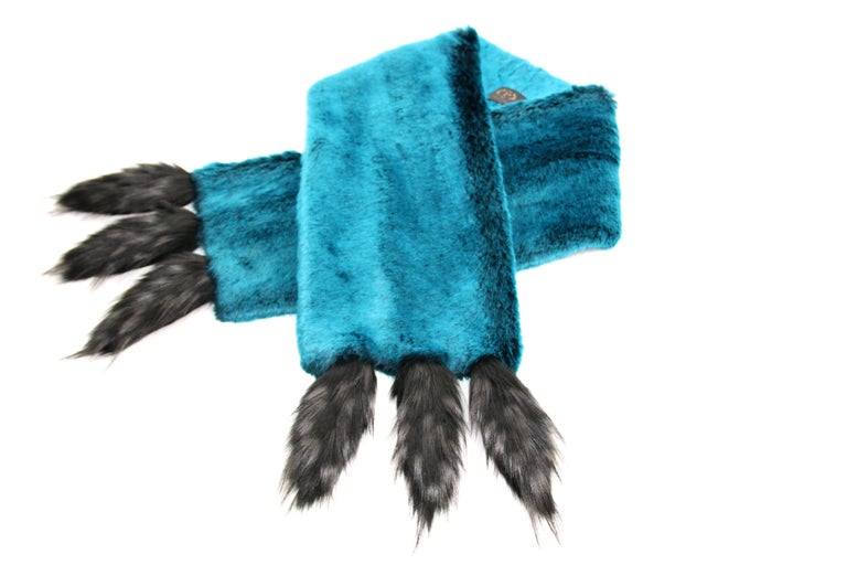 Women's Pelush Teal Faux Fur Chinchilla Stole With Faux Fox Fringes - One Size For Sale