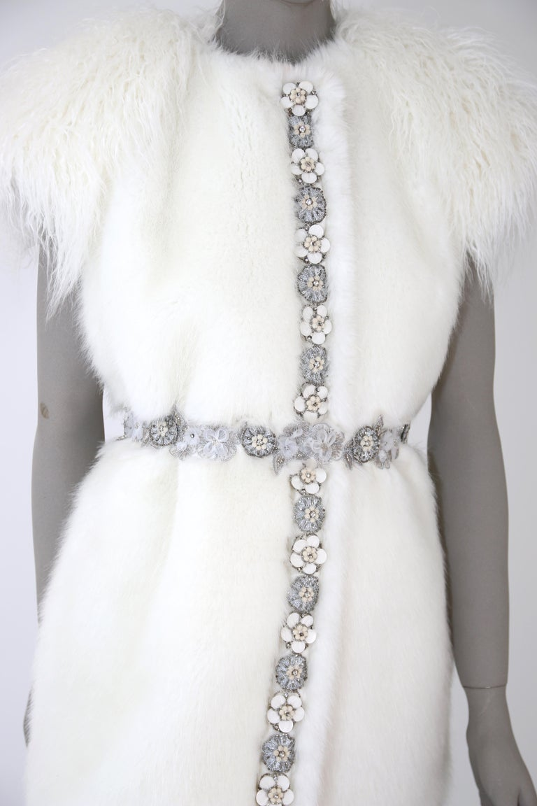 Pelush White Faux Fur Mink Vest with Details - One Size S/M In New Condition For Sale In Greenwich, CT