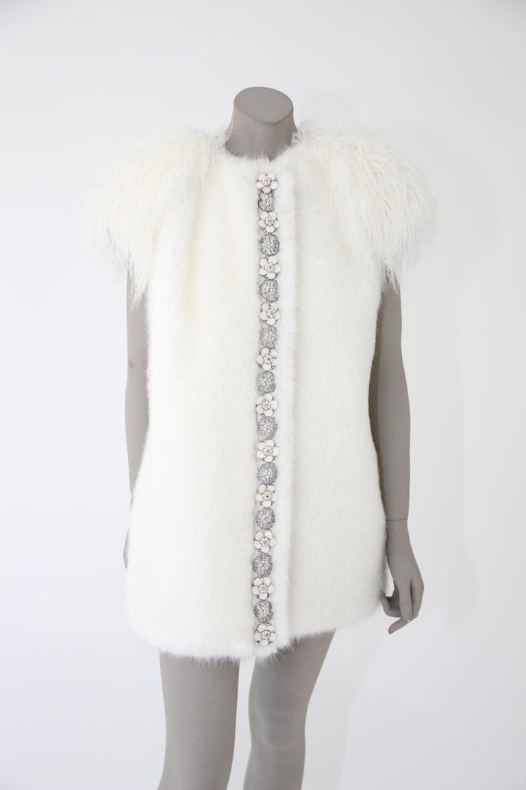 Women's Pelush White Faux Fur Mink Vest with Details - One Size S/M For Sale