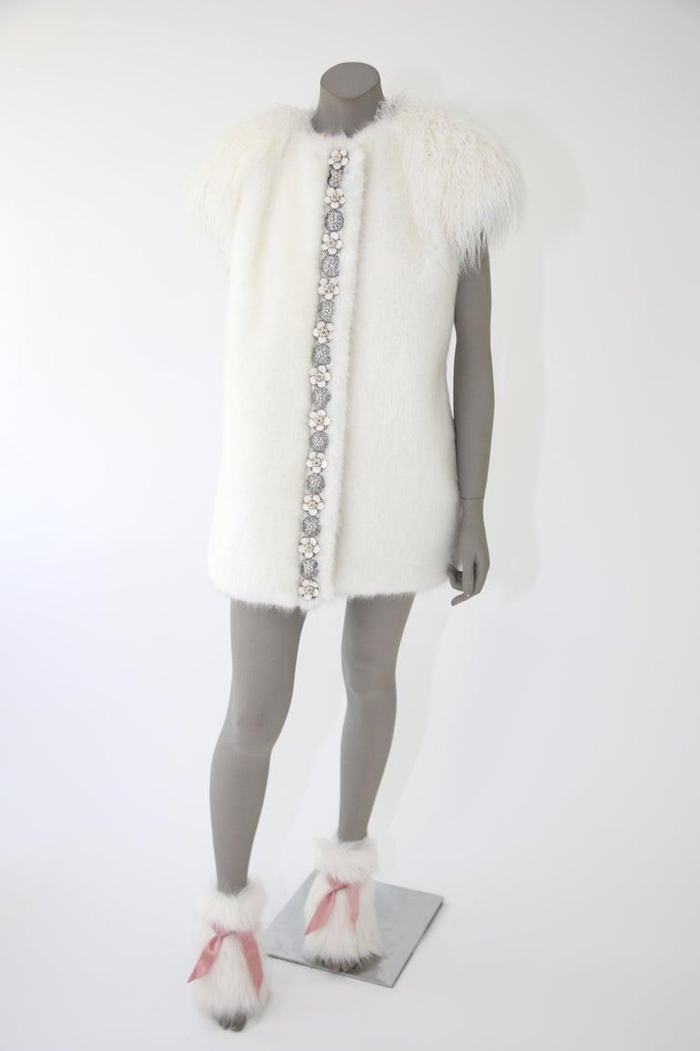 Pelush White Faux Fur Mink Vest with Details - One Size S/M For Sale 3