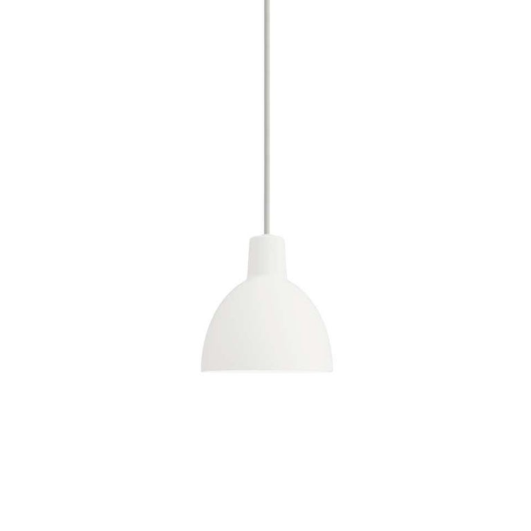 Pendant 550 light by Louis Poulsen Measures: Width 550 x height 555 x length 550(mm).  Material: Shade in pressed aluminium, matt lacquered. Inner shade with a white reflector made of anodised aluminium. Canopy: Yes Cord length: 4 m.