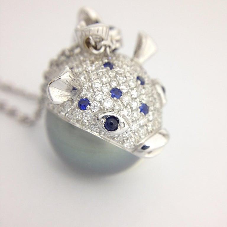 Pendant/Necklace Puffer Fish White Diamond Blue Sapphire Tahiti Pearl 18Kt Gold  For Sale 7