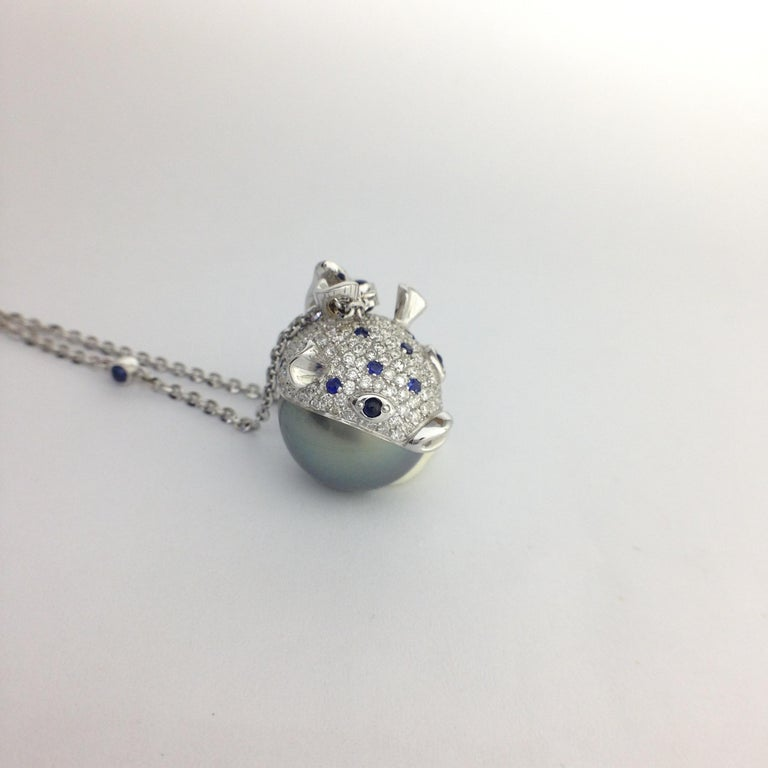 Pendant/Necklace Puffer Fish White Diamond Blue Sapphire Tahiti Pearl 18Kt Gold  For Sale 3