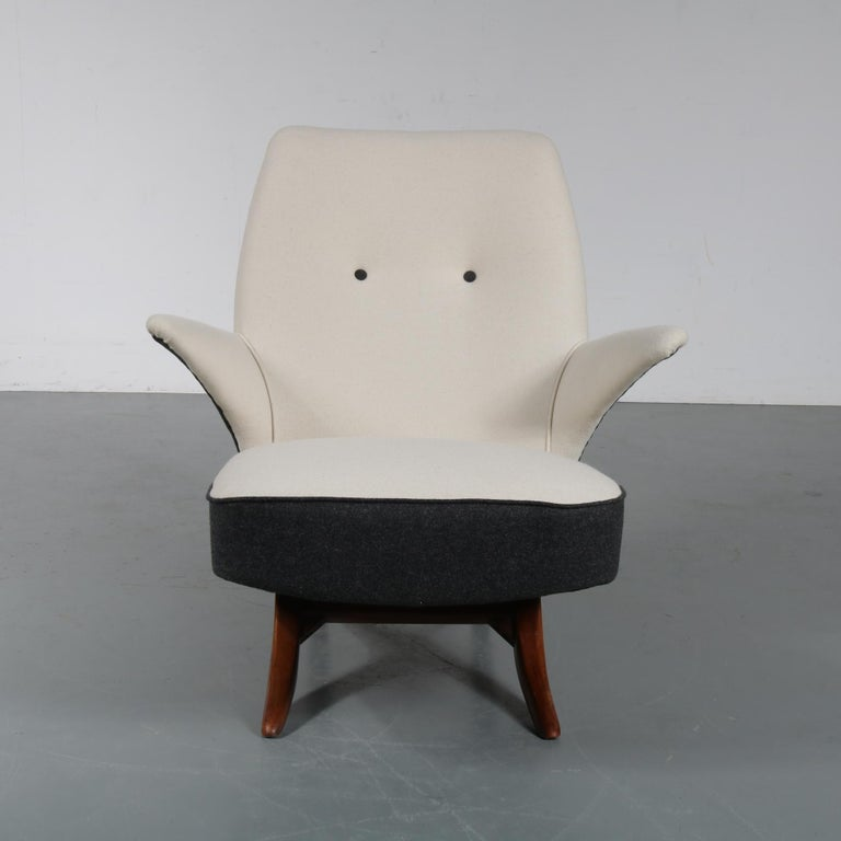 Beautifull Penguin chair by Theo Ruth for Artifort, manufactured in the Netherlands in 1957.