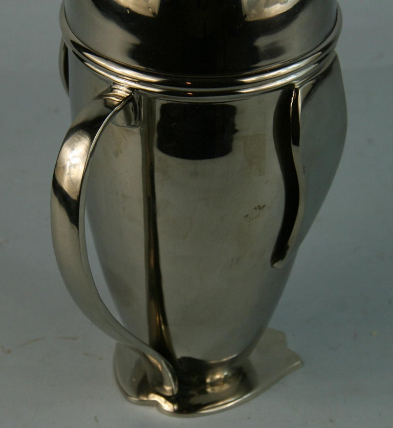 Mid-20th Century Penguin Cocktail Shaker For Sale