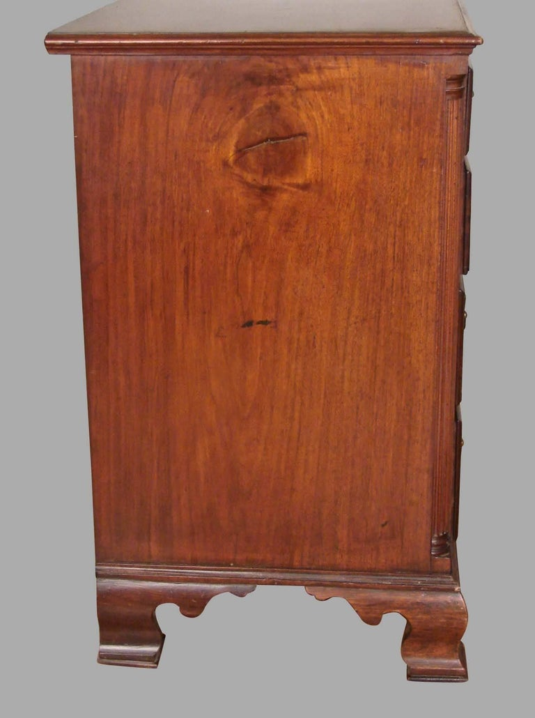 Mid-18th Century Pennsylvania Chippendale Period Walnut Four-Drawer Chest For Sale
