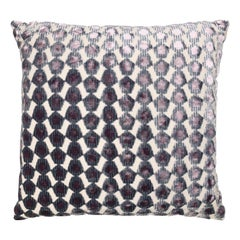 Pentagoni Pillow