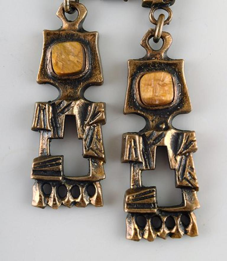 Pentti Sarpaneva, Finland - bronze necklace with yellow stones. Finnish modern design 60/70 s. Stamped.  In very good condition. Chain measures: 58,5 cm. Pendant: 4 cm.