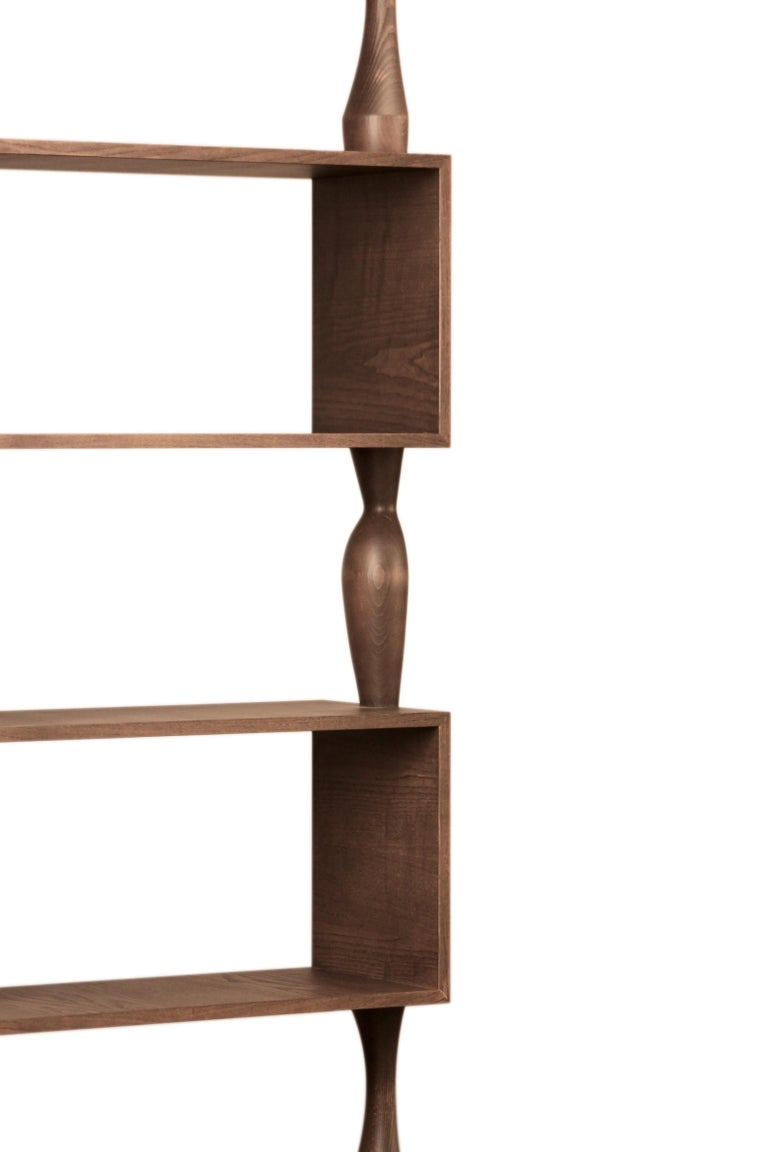 Perbacco, Contemporary Bookcase Made of Ash Wood with Hand Turned Columns In New Condition For Sale In Salizzole, IT