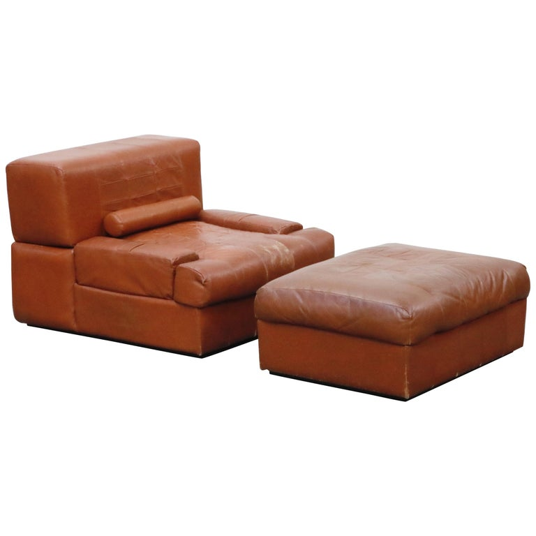Percival Lafer Adjustable Leather Armchair and Ottoman, Brazil, circa 1960 For Sale