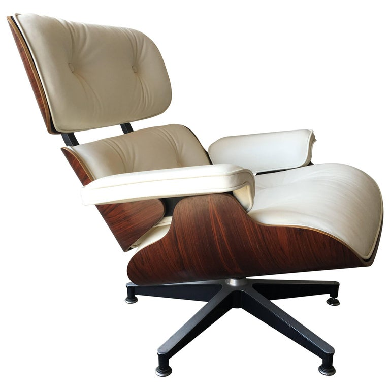 Perfect Rosewood and Ivory Herman Miller Eames Lounge Chair For Sale