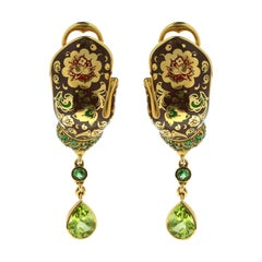 Peridot 2.29 Carat Tsavorite Sapphire 18 Karat Yellow Gold Mitten Earrings