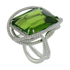Peridot 53.50 Kt Diamonds White Gold Made in Italy Ring