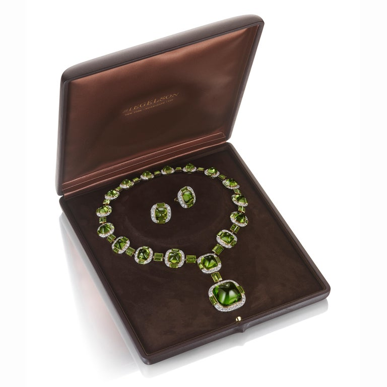 Sugarloaf Cabochon Siegelson Peridot Diamond Platinum Gold Suite of Necklace and Earrings  For Sale