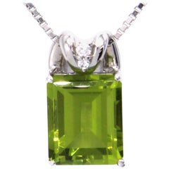 Peridot Diamond Platinum Pendant Necklace