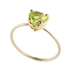 Peridot Green Heart 18 Karat Yellow Gold Hope Love Cocktail Chic Romantic Ring