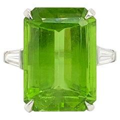 Peridot Platinum Ring 22 Carats