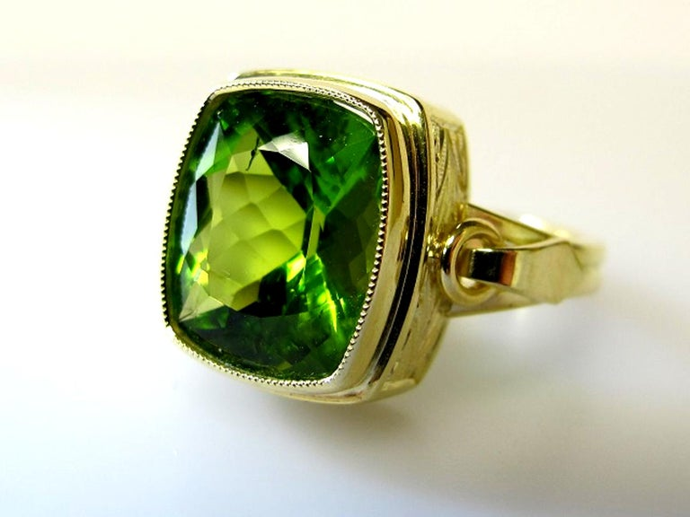 Peridot Ring In New Condition For Sale In Los Angeles, CA
