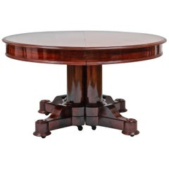 Period America Federal Neoclassical Round Expanding Dining Table