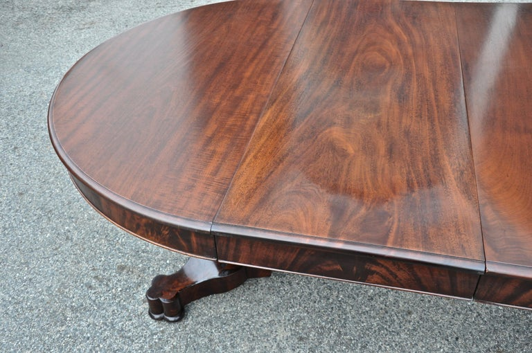 American Classical Period American Early 19th Century Round Extension Dining Table by Charles Hobe For Sale